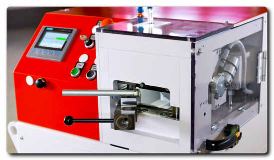 For tube diameters between 6 and 42 mm the t form UMR 642 flaring machine creates excellent sealing surfaces.