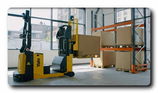 MC15 Robotic Counterbalance Stacker